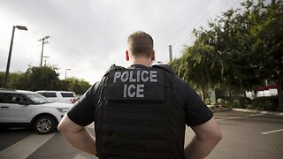Former ICE Director Urges White House To Release Nonviolent Detainees