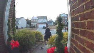 Christmas doorbell prank terrifies little girl!