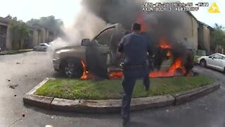 Texas Cops Rescue Man From Burning Truck