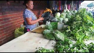 SOUTH AFRICA - Durban - Vegetable street vendor (Video) (eKn)
