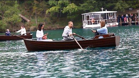 Mnoštvo posjetitelja u NP-u Plitvička jezera