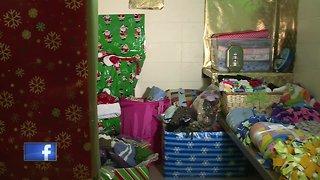 Oshkosh police turn old jail into Santa's workshop