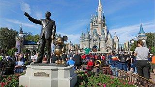Disney Bans Smoking At U.S.Parks