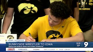 Sunnyside's Robles signs with Iowa