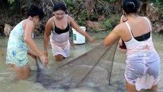 Fishing Video   Girls Catch Fish   Funny Video