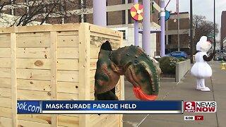 Mask-eurade parade held
