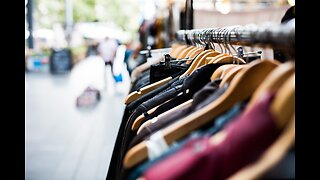 Las Vegas shoppers slam stores for last-minute shopping