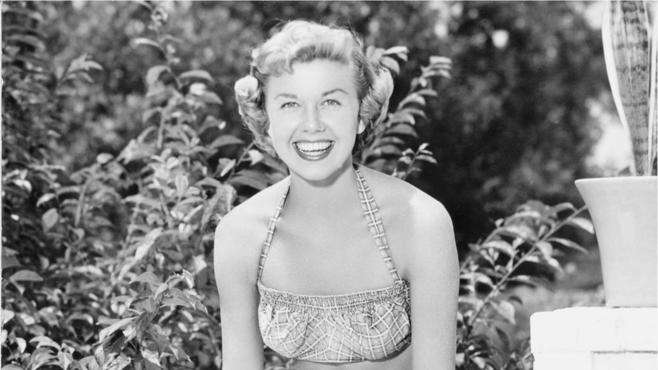 Doris Day Estate To Auction Her Golden Globes To Benefit Animal Shelter