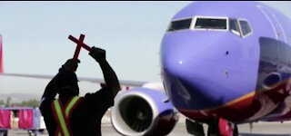 Pandemic pushes Southwest to first full-year loss since 1972
