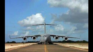 World's largest cargo aircraft landing caught on camera