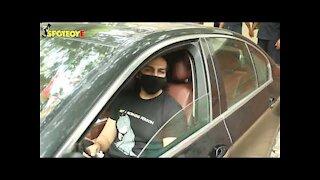 Hrithik Roshan and Kartik Aaryan Spotted in Juhu | SpotboyE