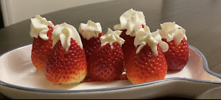 strawberry + whipped cream = yay!!!