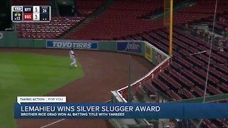 DJ LeMahieu wins second straight Silver Slugger award