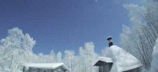 Meteor lyser opp himmelen i Lappland, Finland
