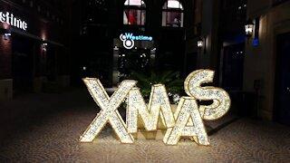 Amazingly Beautiful Beverly Hills Christmas Lights XMAS Decoration Los Angeles Beautiful christmas