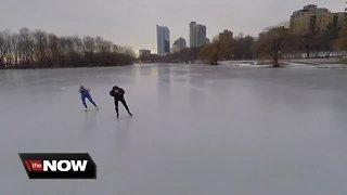 Speedskater turns Lake Michigan into his playground