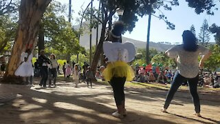 SOUTH AFRICA - Cape Town - Christmas Carols in the Park (Video) (sA6)