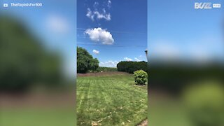 Plane passes dangerously low over Indiana house