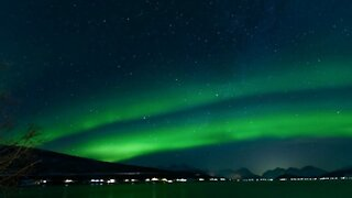 Amazing time lapse of northern lights