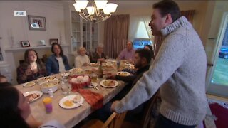 COVID-19 complicates Thanksgiving, as families decide what to do