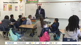 Florida school districts, staffing agencies need to hire hundreds of substitute teachers