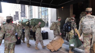 U.S. Army Soldiers with the 426th Brigade Support Battalion arrive in Chicago
