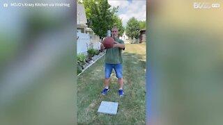 Homem arrasa com o basketball beer challenge!