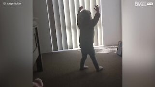 Ballare non è facile per questa bambina