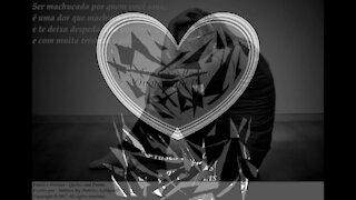 Ser machucada por quem você ama, é uma dor que machuca... [Frases e Poemas]