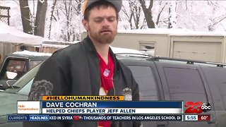 Homeless man helps Chiefs player get to game