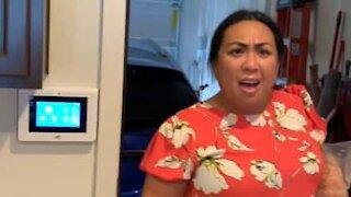 La réaction hilarante de cette femme face à son mari sans barbe