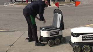 Food delivery robots huge hit on Ohio college campus