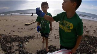Group cleans up beach after Hurricane Dorian impacts Boynton Beach