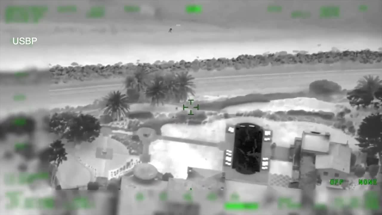 Video shows Panga boat landing on San Diego beach
