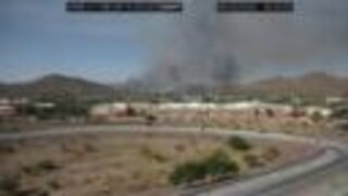 Aquila Fire sparks NE of Carefree Highway