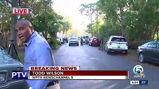 Palm Beach County deputy pinned between cars during crime takedown, sheriff's office says