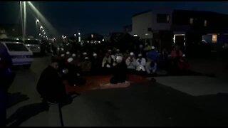 SOUTH AFRICA - Cape Town - Manenberg Iftaar (Video) (P37)