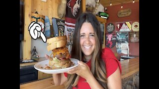 SASQUATCH BURGER! There is a monster burger that uses grilled cheese sandwiches as buns in Arizona - Appetite AZ