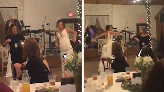 Mother and daughter pull off epic wedding dance routine