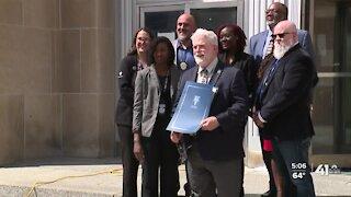 Kansas City, Missouri, health director Dr. Rex Archer announces retirement