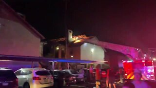 Firefighters battle 2-alarm apartment fire on NW side