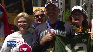 Green Bay man makes marathon history