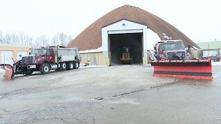 City, county crews prepare for snowfall
