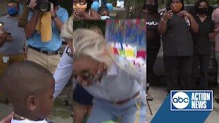 Garbage truck driver throws birthday surprise for little boy
