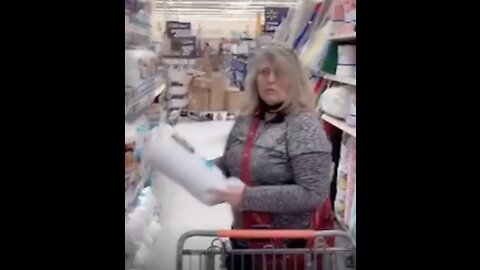 American Musician Confronts Non-Mask Wearers In WalMart!