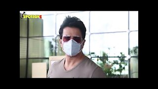 Sonu Sood Spotted with his Wife At The Airport | SpoboyE