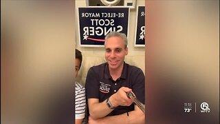 Mayor Scott Singer praises people after re-election