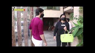 Sushmita Sen with Rohman Shawl Snapped in Bandra | SpotboyE