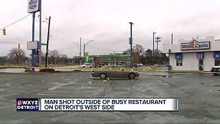 Man shot in buttocks outside White Castle in Detroit
