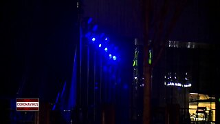 Lambeau Field, Titletown will light up blue for essential workers